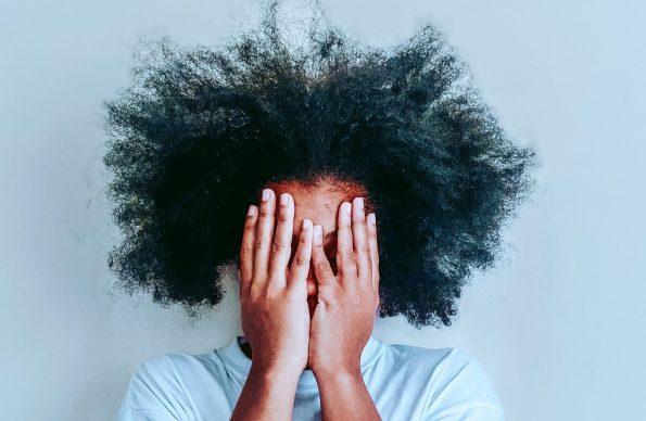 دلایل ریزش مو در مردان و زنان